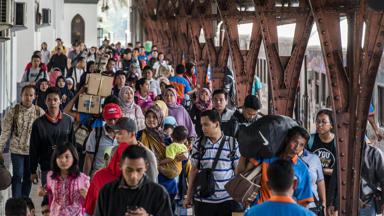 Puncak Arus Mudik di Stasiun Pasar Senen Diprediksi Besok