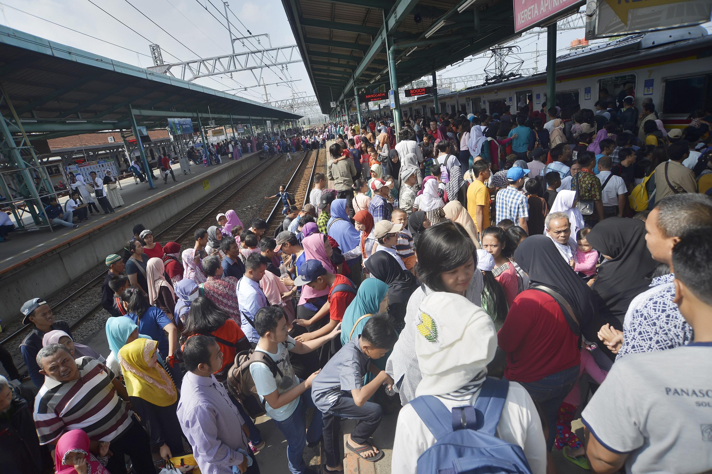 KAI Imbau Penumpang KRL Tak Turun di Stasiun Juanda