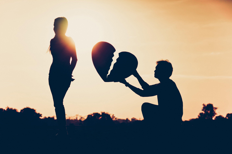 Hasil gambar untuk putus cinta