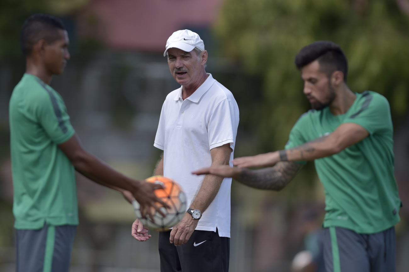 Alfred Riedl: Indonesia Sulit Lolos ke Final AFF Cup 2016