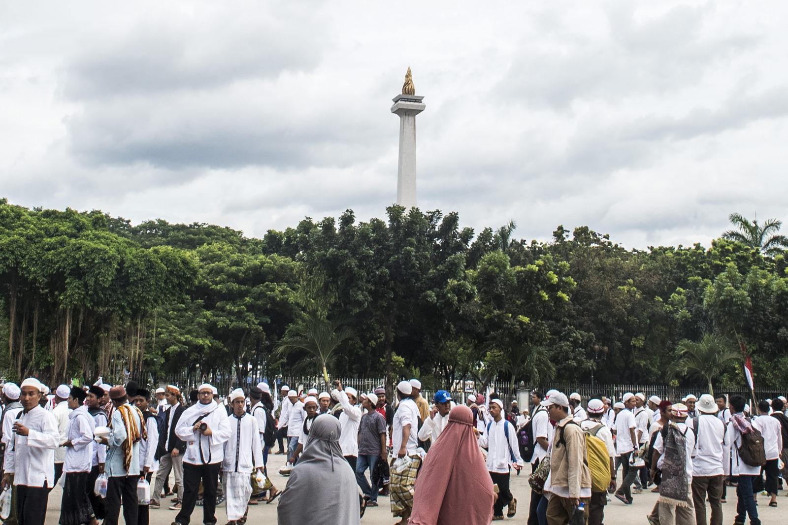 Hujan Guyur Monas, Jamaah Salat Jumat Aksi 212 Bubar