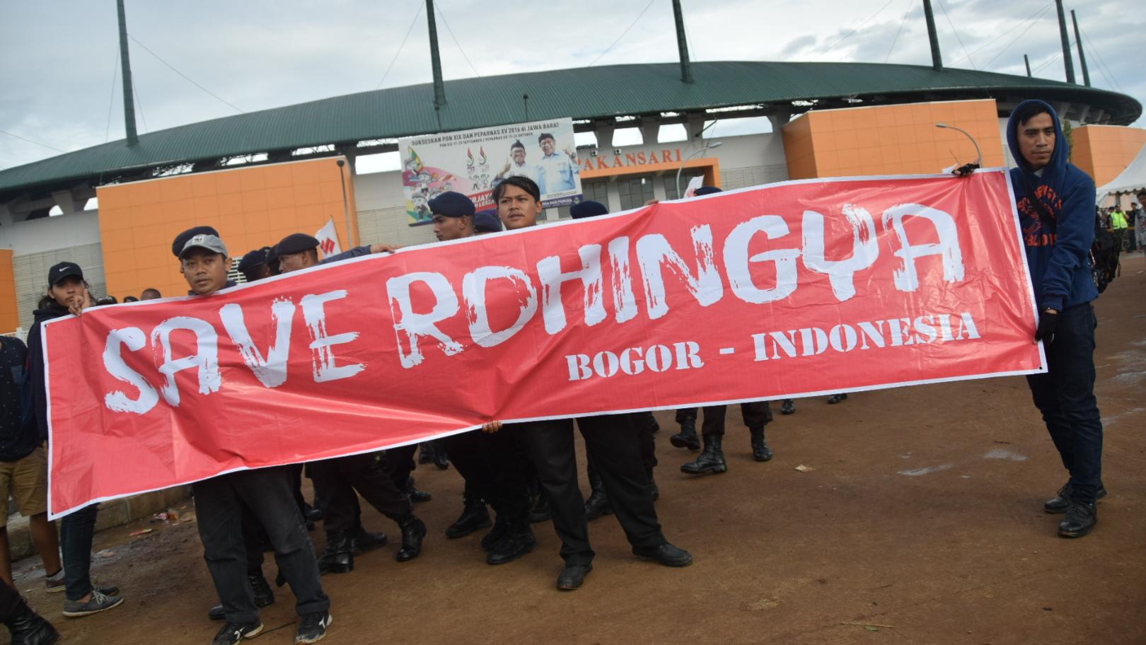 Jokowi: Komunitas Muslim Rohingya Perlu HAM dan Kehormatan