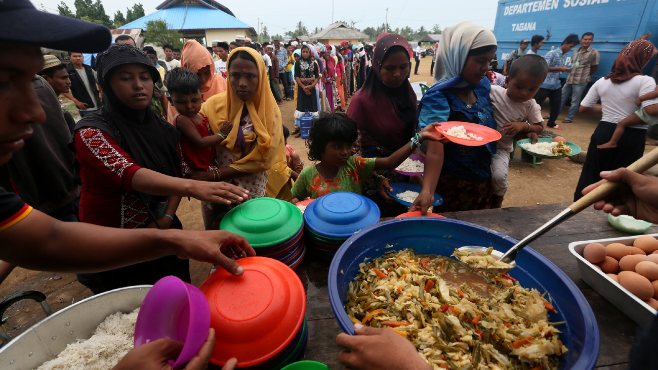 Jokowi Lepas 10 Kontainer Bantuan Kemanusiaan untuk Rohingya