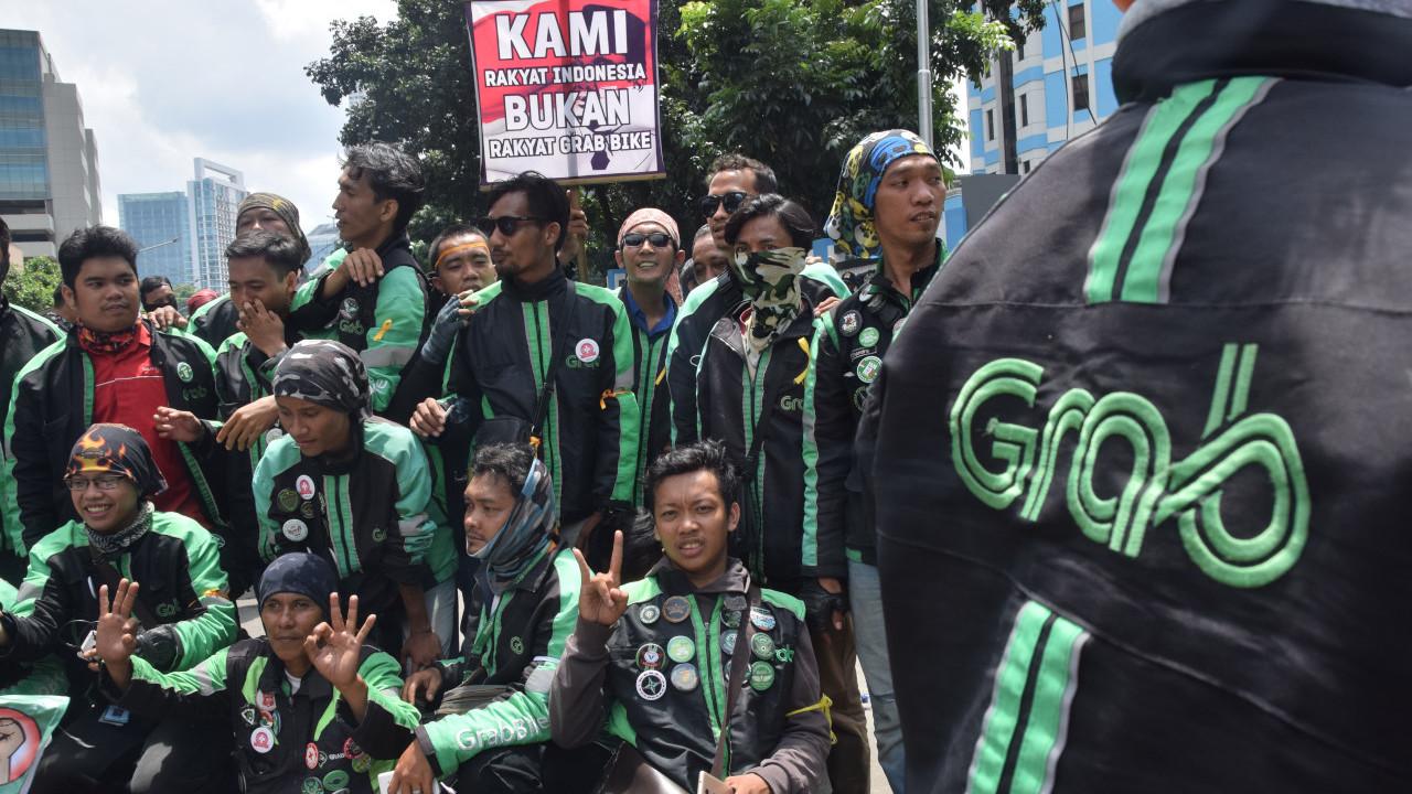 Ratusan Sopir Grab Demo Tuntut Pencairan Insentif Hari Raya