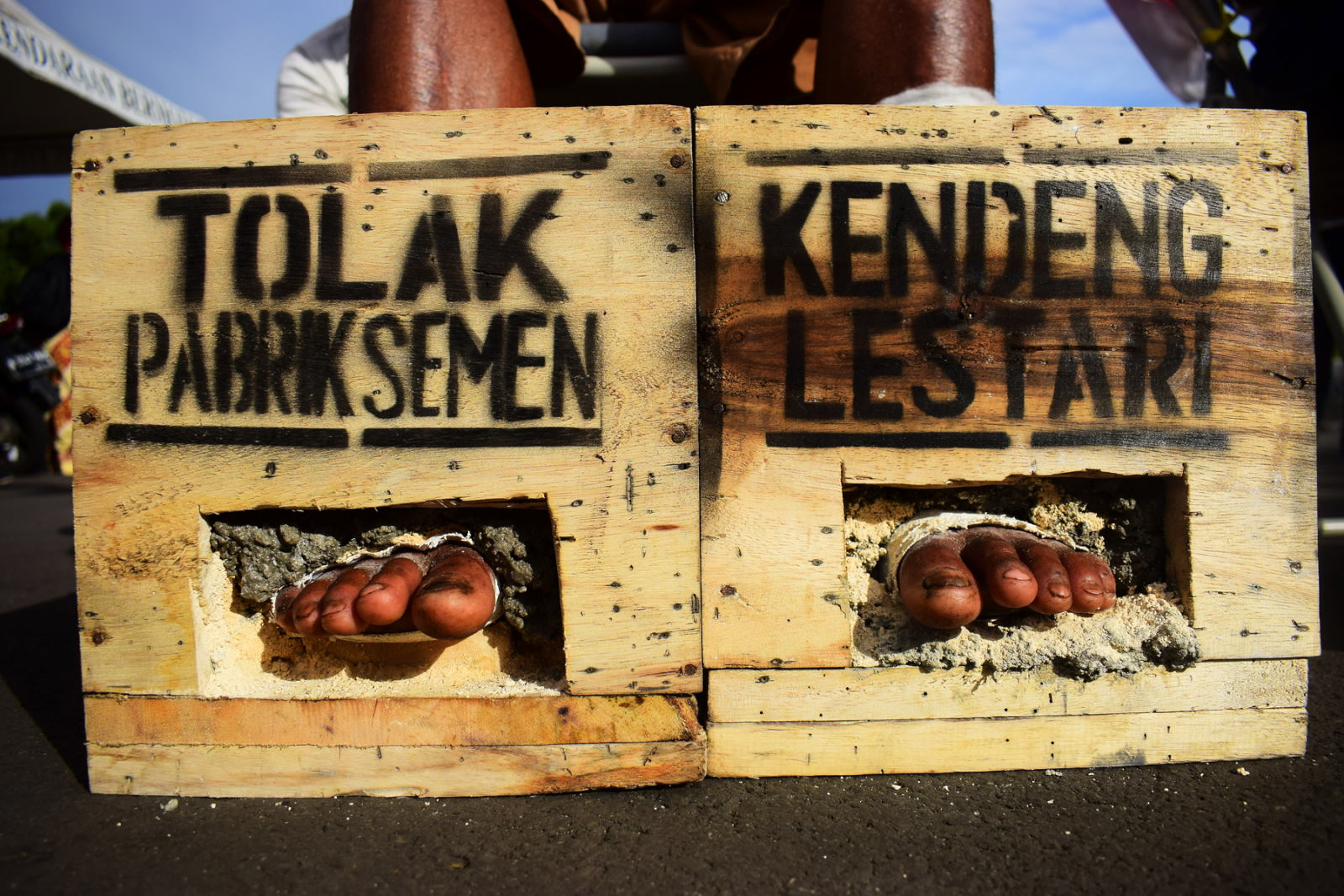Istana Imbau Aksi Tolak Pabrik Semen Jangan Bahayakan Jiwa