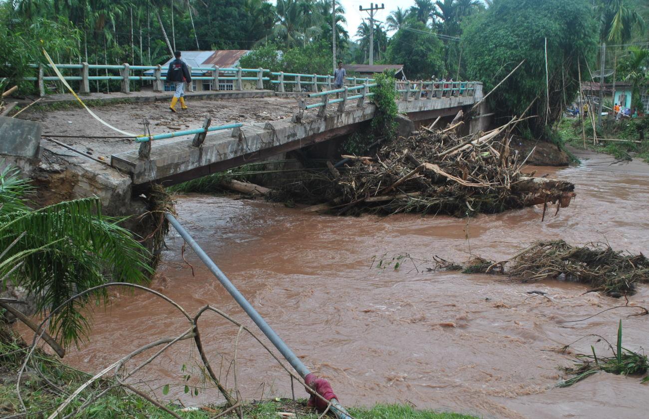 Image Result For Banjir Bandang Banyuwangi