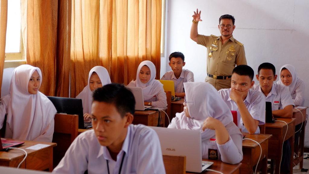 Syarat Pendaftaran Dan Jadwal Ppdb 2018 Untuk Sma Smk Jawa Timur