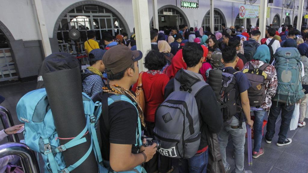 Mudik Imlek 2018: Tiket Kereta Api di Purwokerto Ludes