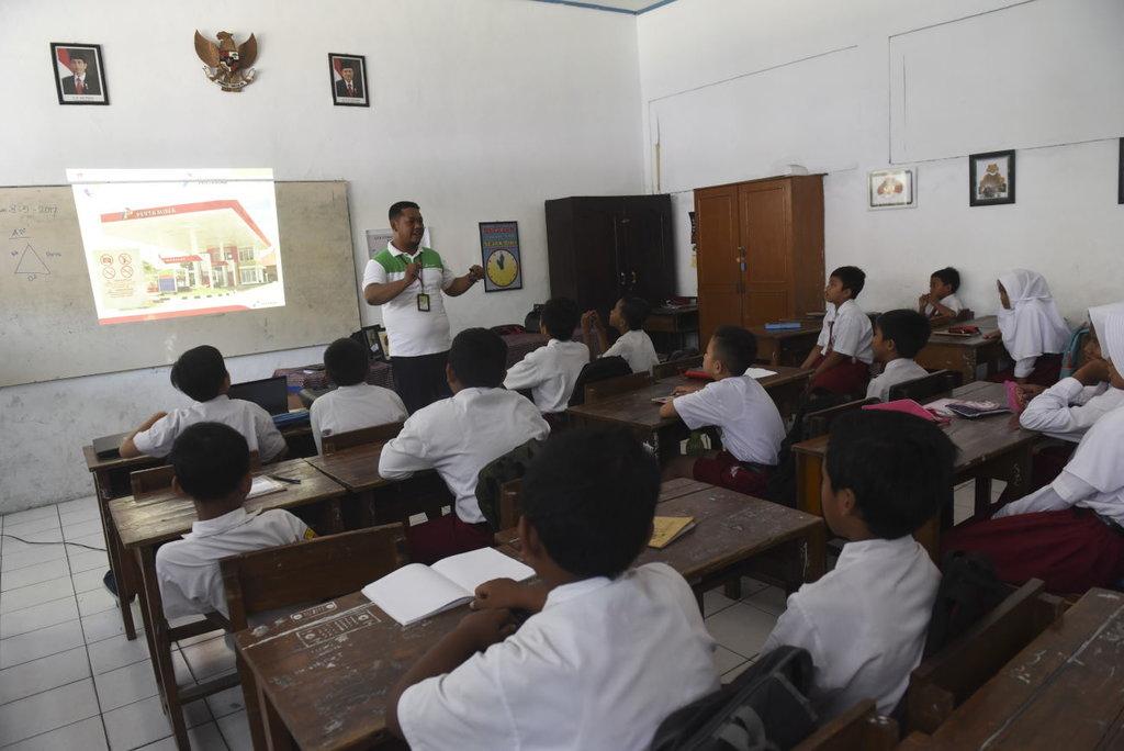 Kemendikbud akan Distribusi Ulang Guru-Guru Sekolah Favorit