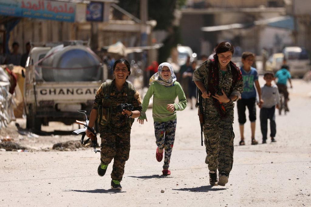 Saat AS dan Rusia Baku Hantam Merebut Raqqa dari ISIS