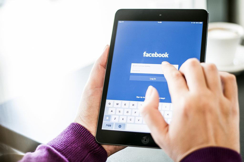 Watch dan Upaya Facebook Bertahan Hidup