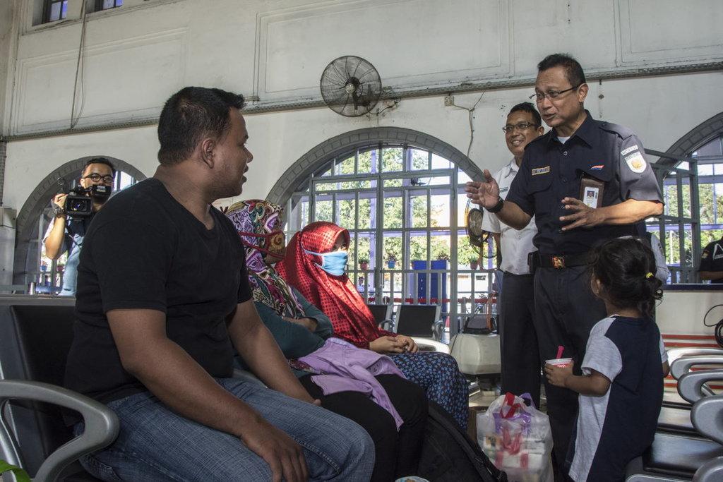 Pemudik Stasiun Pasar Senen Ramai Gunakan Arena Ramah Anak