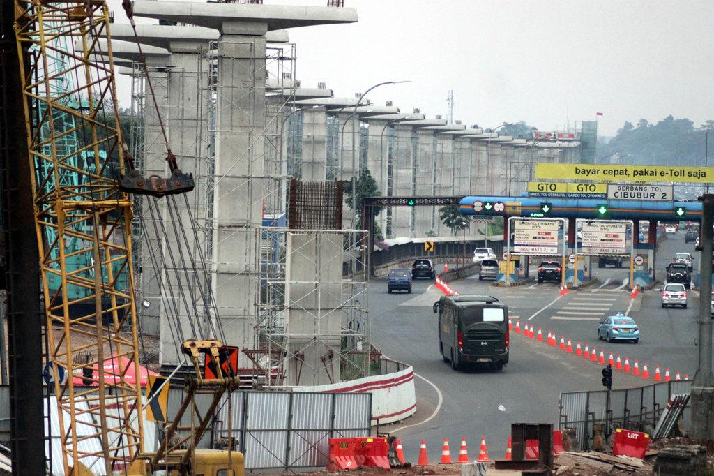 Luhut Klaim Proyek LRT Jabodebek Bisa Hemat Rp6 Triliun