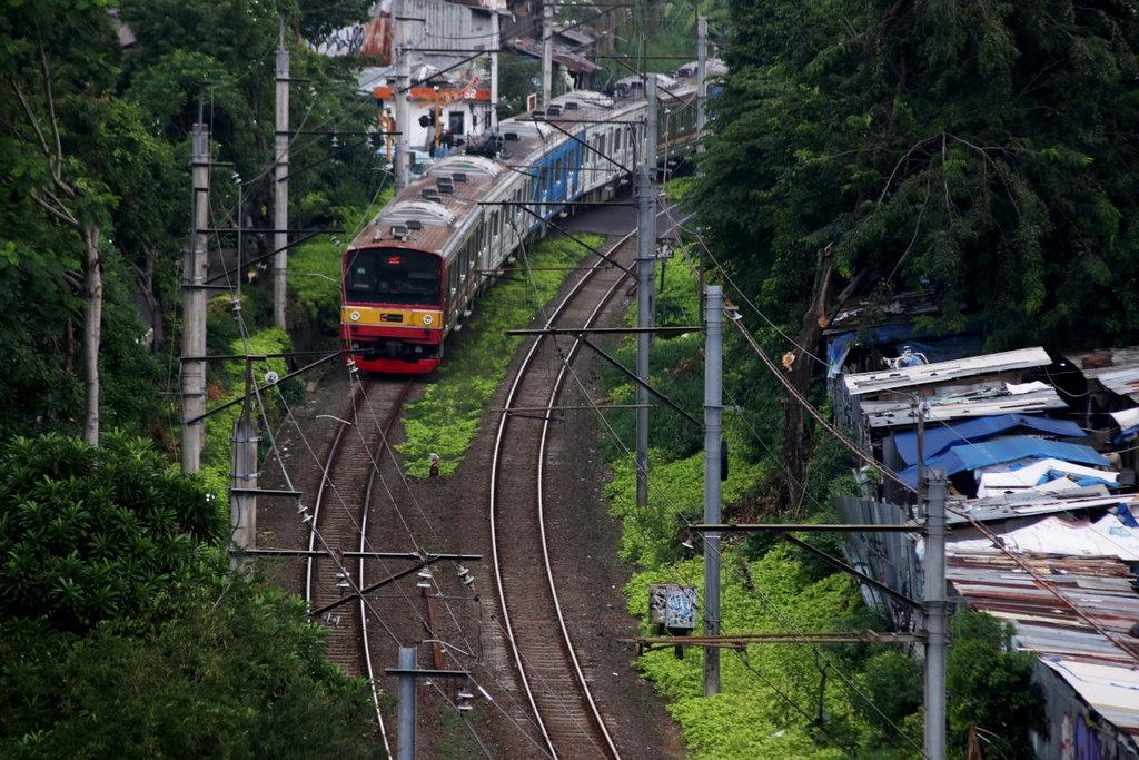 Transportasi Kereta Api Dinilai Belum Optimal
