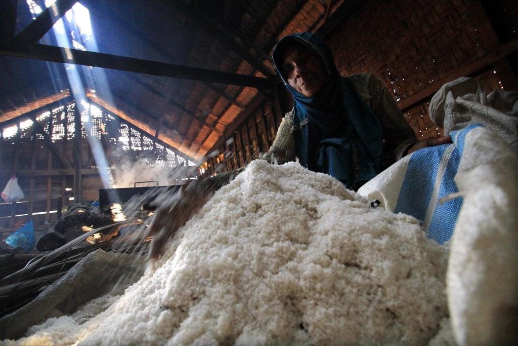 Harga Garam Melonjak Hingga Rp5.000 per Bungkus