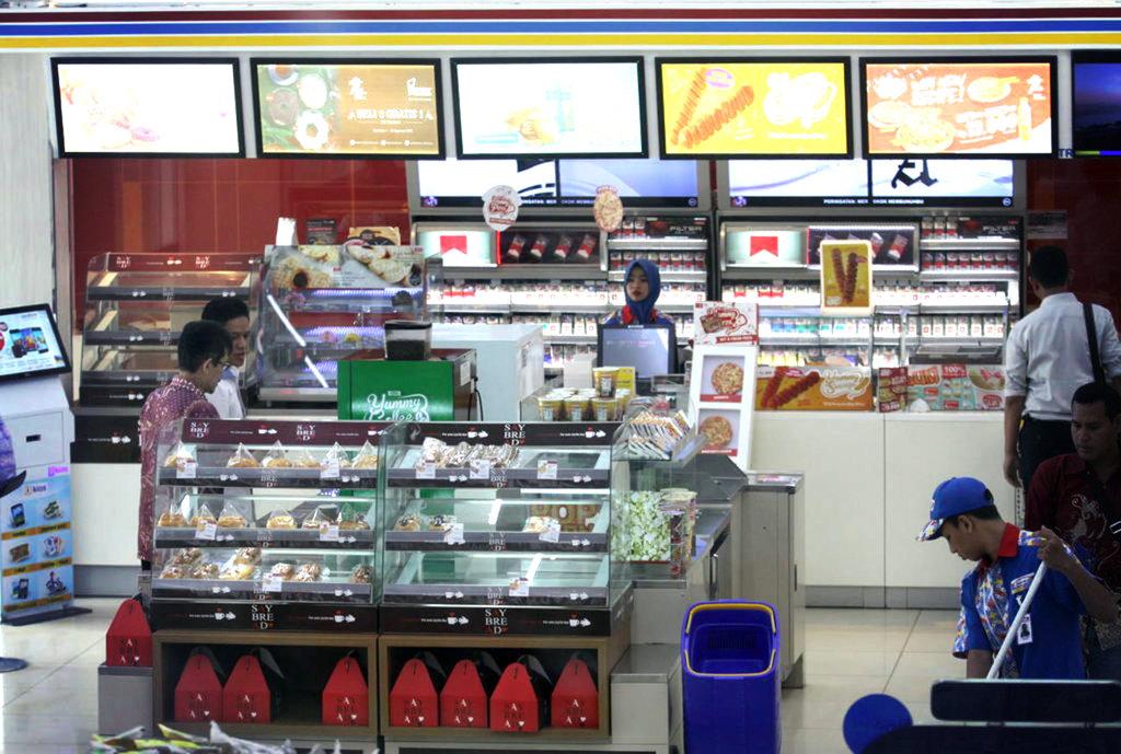 Mungkinkah Alfamart dan Indomaret Menjadi Seperti 7-Eleven?