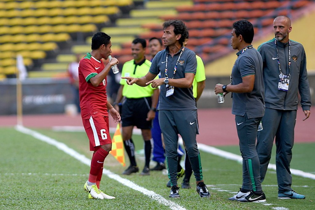 Timnas Indonesia vs Malaysia: Duel Evan Dimas vs Nor Azam  Tirto.ID