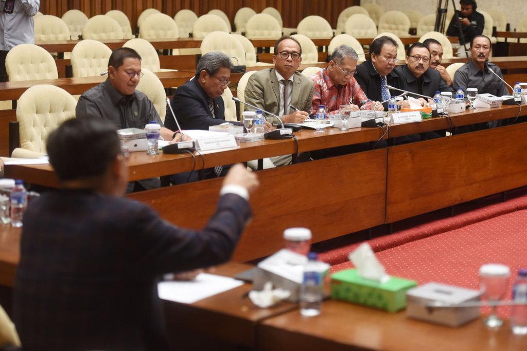 Rapim DPR Besok Bahas Rencana Konsultasi ke Jokowi Soal KPK