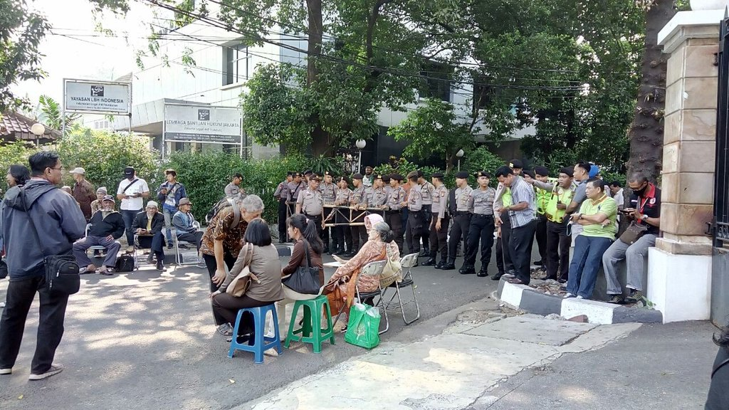 Polisi Salah Kaprah Bubarkan Seminar 1965 di LBH Jakarta