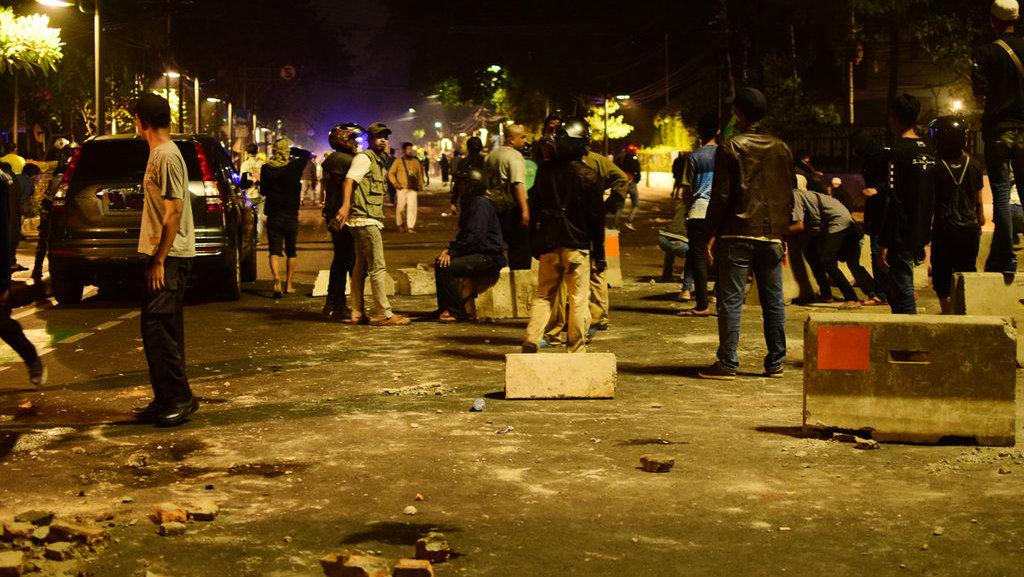Menit-Menit Peristiwa Penyerbuan & Evakuasi di LBH Jakarta