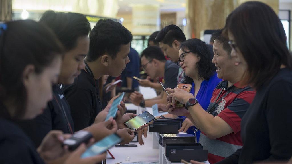 Airtel & Vodafone Tawarkan Cashback Bagi Pembeli Samsung Seri J