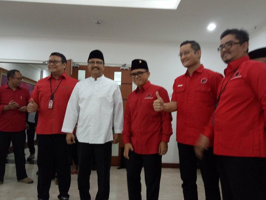 Gus Ipul-Azwar dan Peluang Ganjalan dari Khofifah