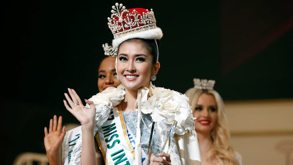 Kevin Liliana Sabet Mahkota Miss International 2017
