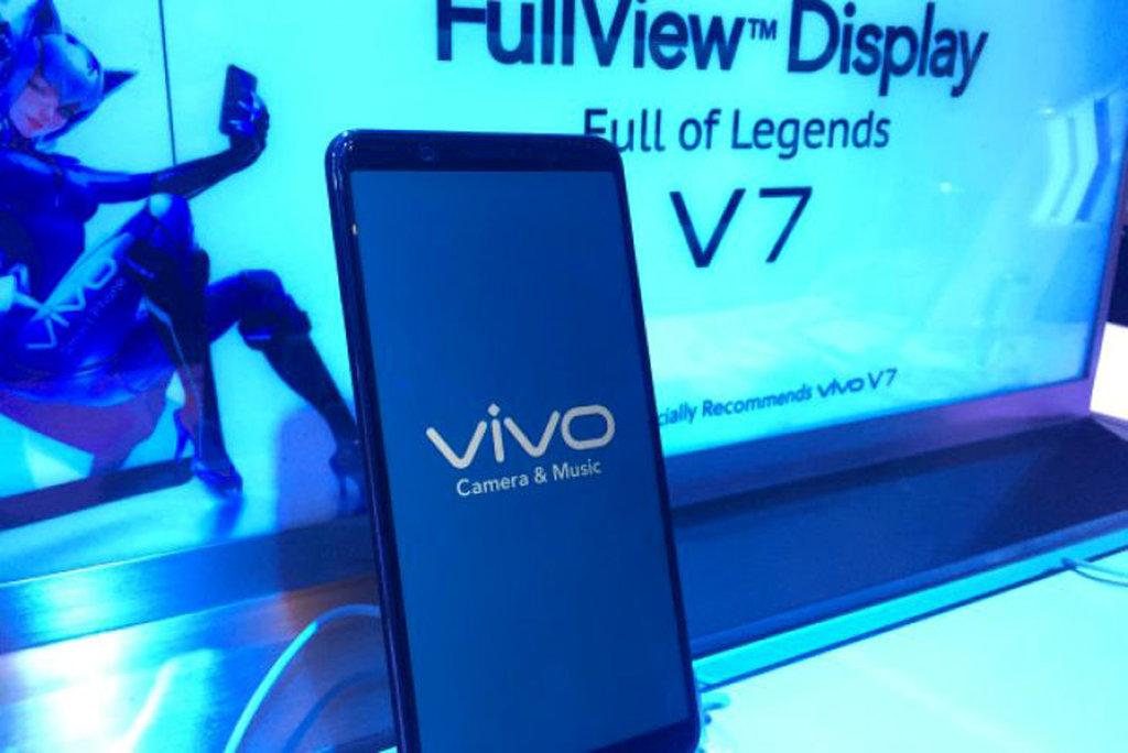 Harga Dan Spesifikasi Vivo V7 Yang Resmi Diluncurkan Hari Ini Tirto Id