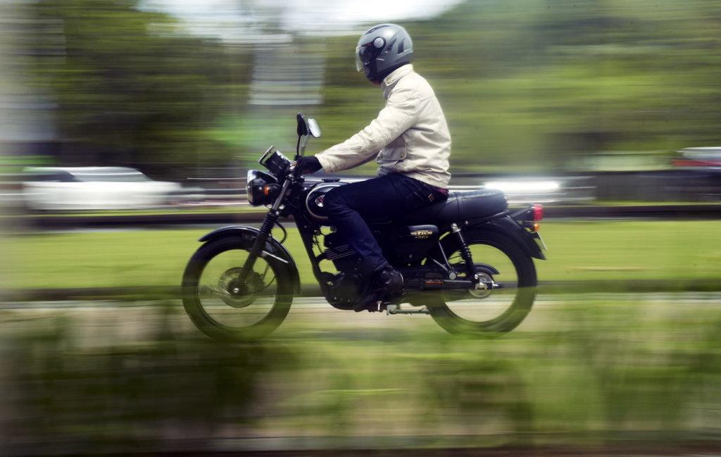 Debut Lawas Kawasaki di Motor Retro Sport W175