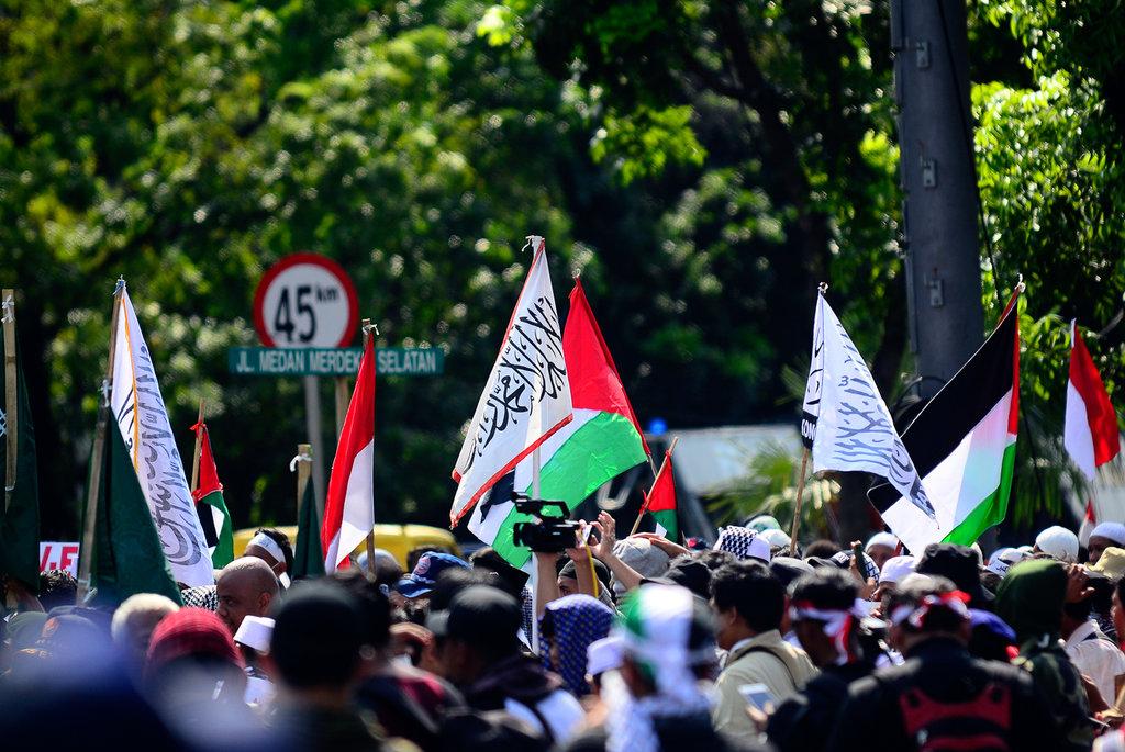 Alumni 212 Kritik Jokowi Saat Demo Soal Yerusalem di Kedubes AS