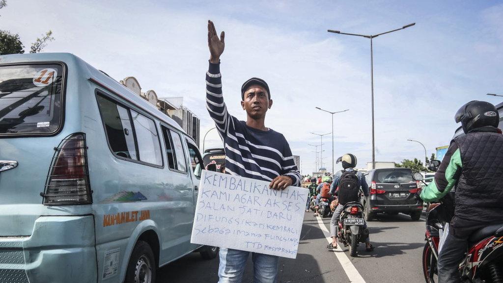 Sopir Angkot Tanah Abang Kembali Demo Tolak Penerapan OK-OTrip