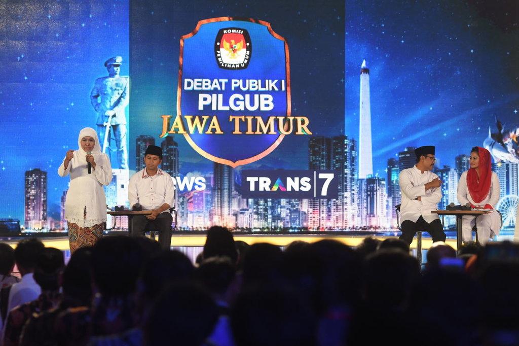 Saling Sanggah Emil Puti Di Debat I Pilgub Jatim 2018 Tirto Id