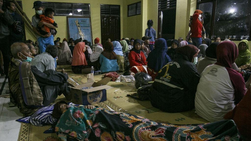 Pasca Erupsi Susulan Merapi Warga Cangkringan Masih Mengungsi Tirto Id