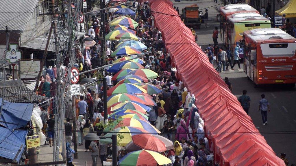 Cinta dan Benci di Pasar Tanah Abang - Tirto.ID 330dced933