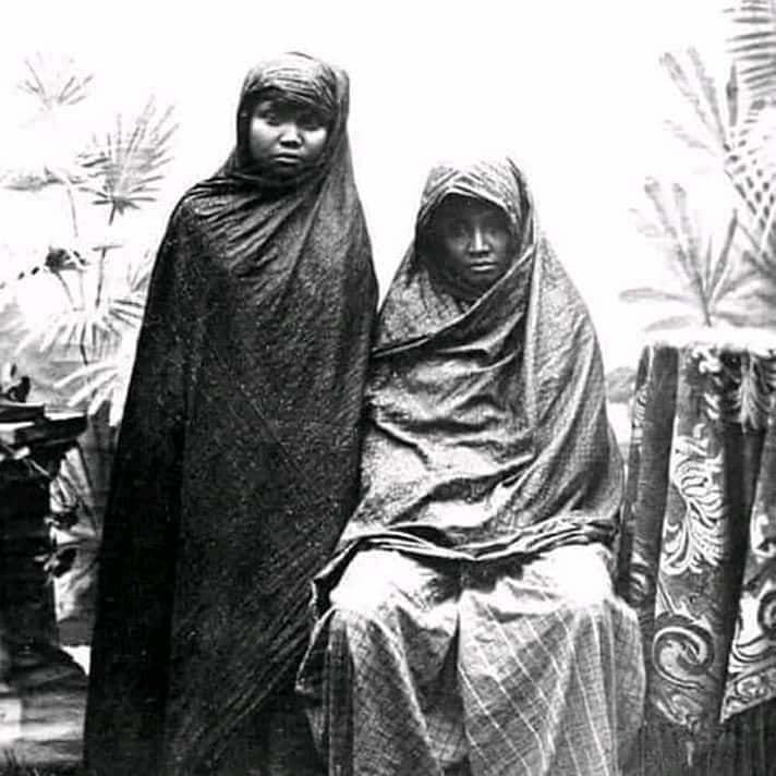 Ada Foto Wanita Indonesia Tahun 1700 Berhijab Bagaimana Faktanya Tirto Id