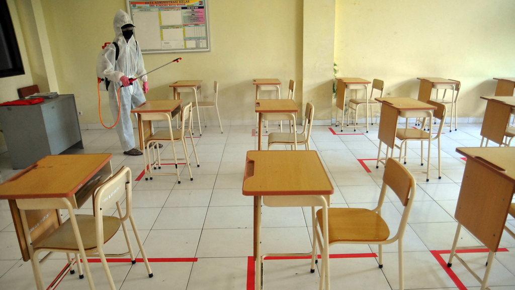Pemerintah Pertimbangkan Buka Sektor Pendidikan di Era New Normal - Tirto.ID