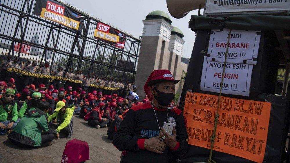 Menolak RUU Cipta Kerja, Buruh Kompak Mogok Nasional