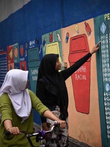 Mural Unik Bertema Edukatif Di Pademangan