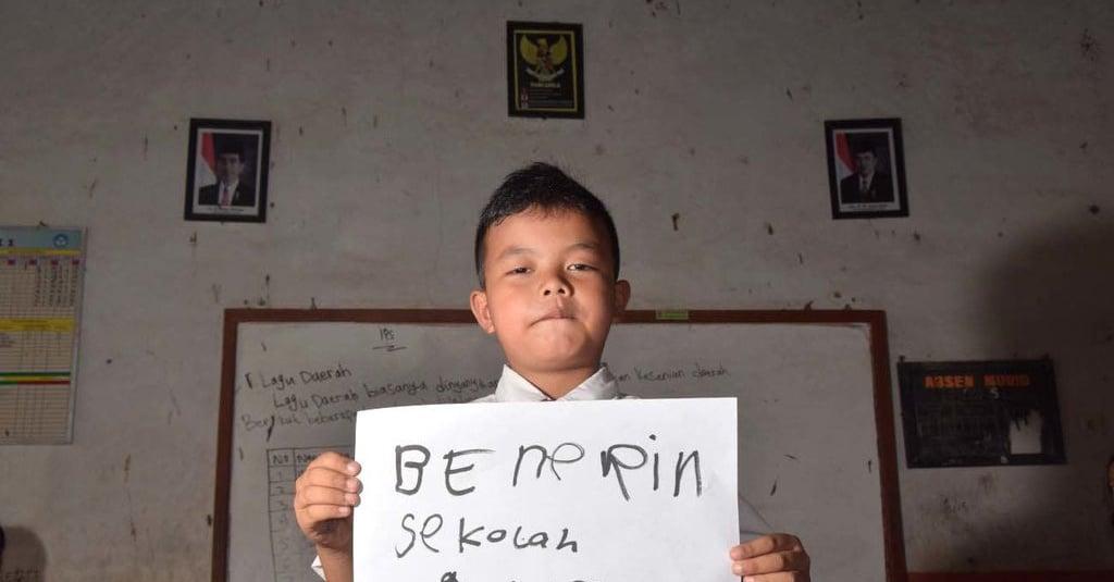 Membebaskan Aing Dari Belenggu Hierarki Bahasa Sunda