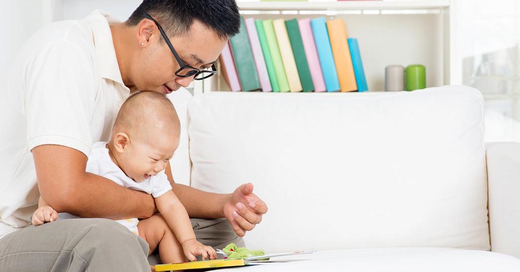 Memetik Manfaat dari Memperkenalkan Buku pada Bayi - Tirto.ID
