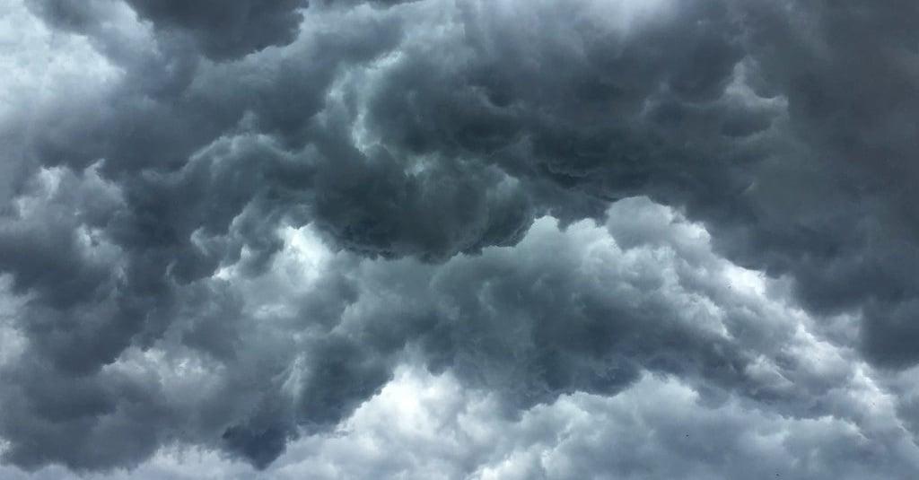Prakiraan Cuaca Bmkg Hari Ini Di Jakarta Jogja Bandung Surabaya Tirto Id