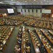 Makan Siang Gratis bagi Politikus Senayan berkat Revisi UU MD3