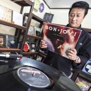 Naik Turun Penjualan Vinyl