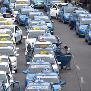 Ramai-ramai Menolak Ojek dan Taksi Online