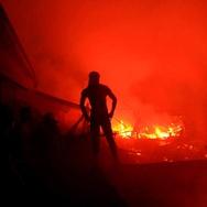 12 Mobil Damkar Dikerahkan Atasi Kebakaran Cipinang