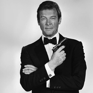 Roger Moore si James Bond Meninggal karena Kanker
