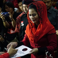 PDIP Usung Cucu Sukarno Dampingi Gus Ipul di Pilgub Jatim