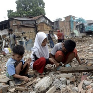 Sandyawan Sumardi ke Balaikota untuk Ingatkan Sandi soal Bukit Duri