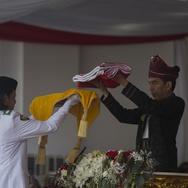 Kisah Jokowi Berbisik ke Ruth di Upacara Penurunan Bendera