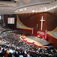 Menjamurnya Gereja-Gereja Raksasa
